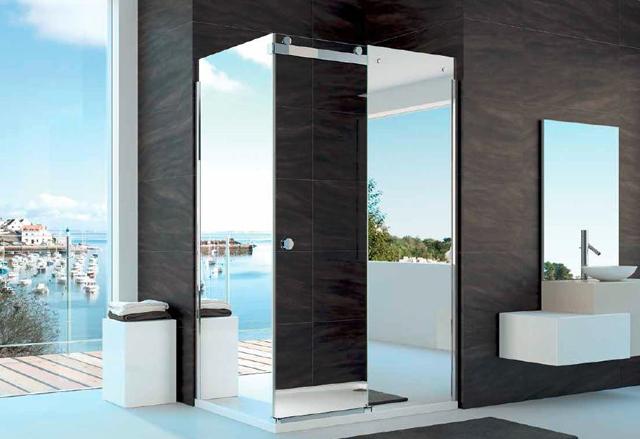 Merlyn showering ou le douche italienne l irlandaise design feria - Porte de douche miroir ...