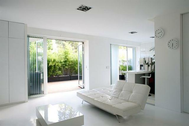 Design int rieur d un blanc immacul design feria for Mal etre interieur