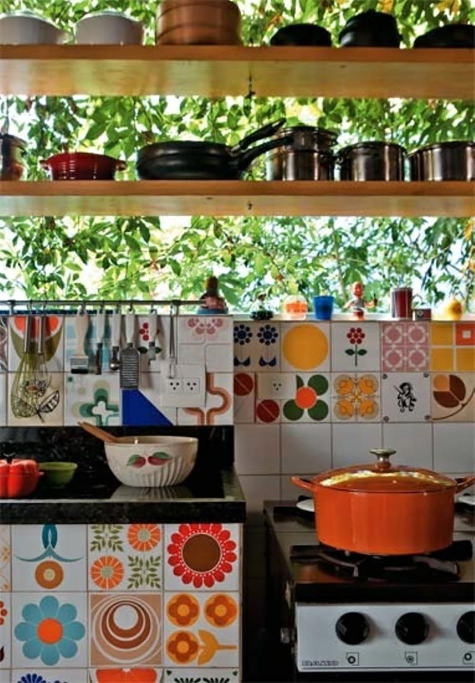 12 petites touches deco retro pour une cuisine moderne
