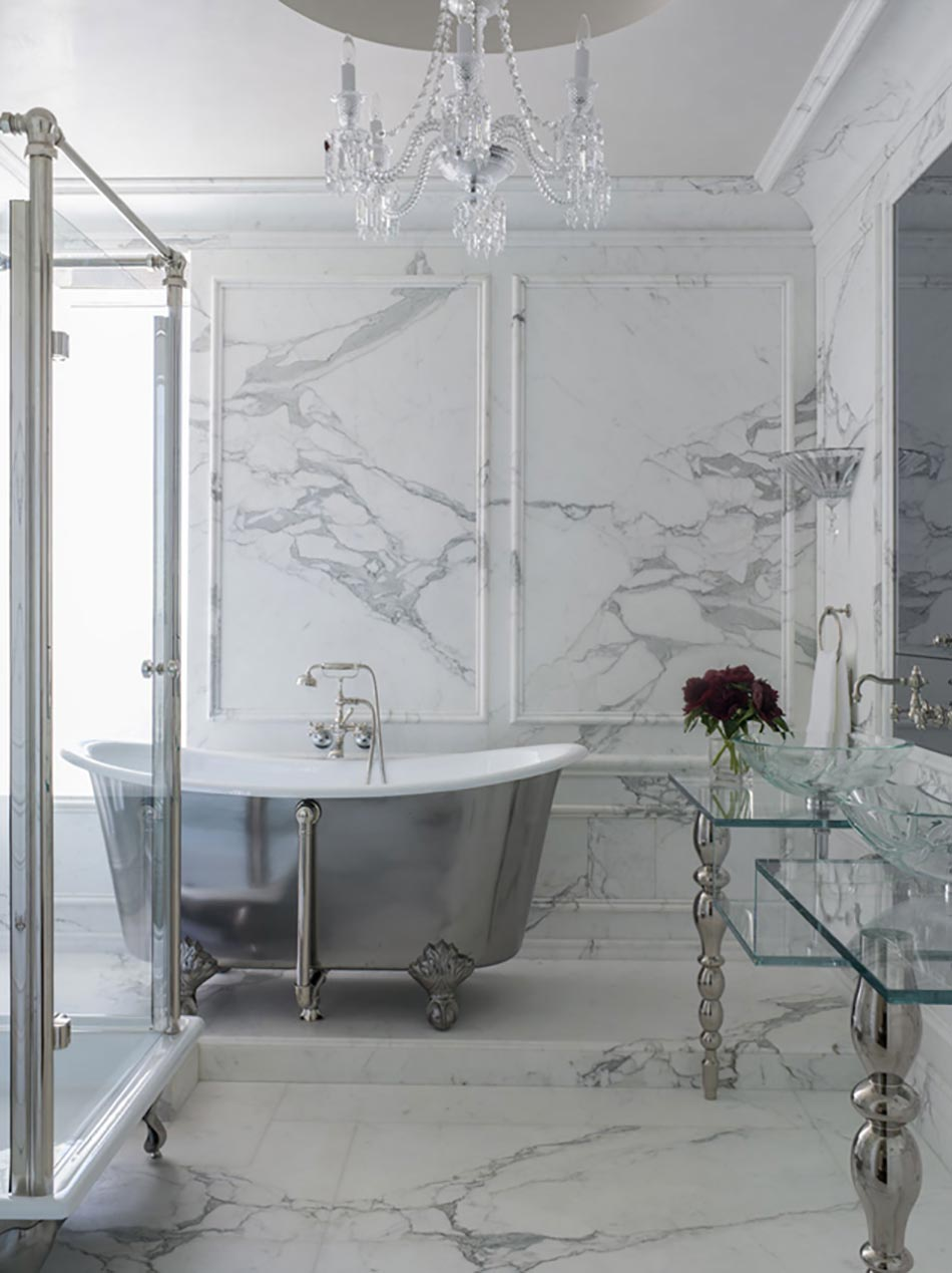 Salle de bain design au style intemporel design feria for Salle bain marbre blanc