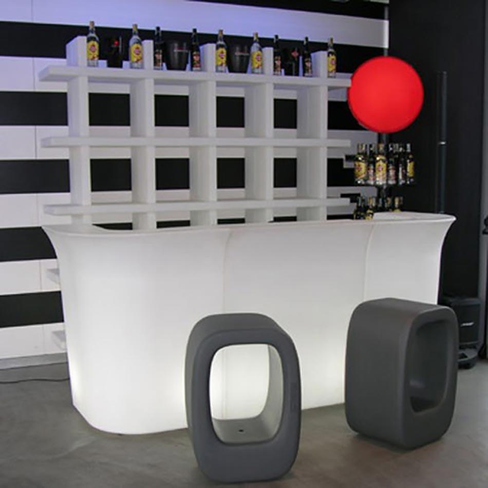 slide l 39 ambassadeur plastic du style anticonformiste. Black Bedroom Furniture Sets. Home Design Ideas