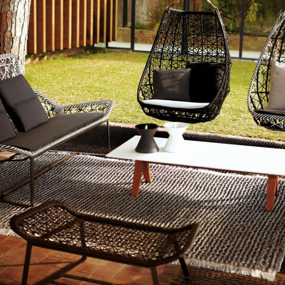 les doux moments en plein air pass s dans l treinte du hamac. Black Bedroom Furniture Sets. Home Design Ideas