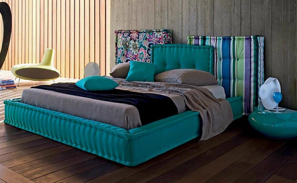 coussin de tete de lit cheap en tte avec nos ttes de lits with coussin de tete de lit housse. Black Bedroom Furniture Sets. Home Design Ideas