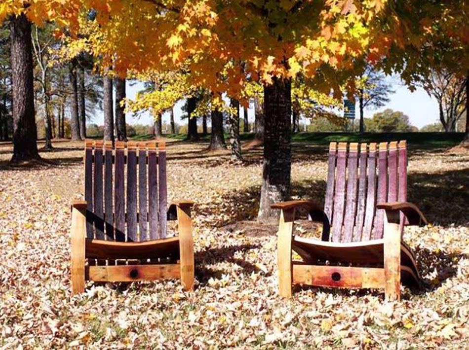 Meuble original compos de vraies barriques design feria for Fabriquer une chaise en bois