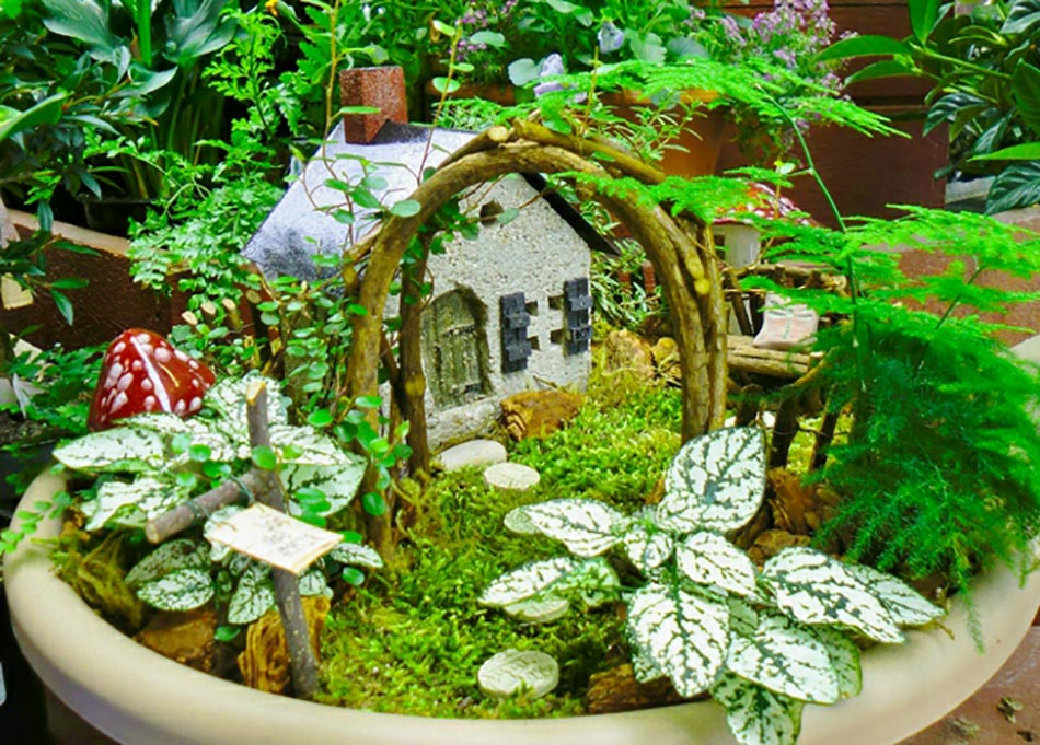 Beautiful salon de jardin miniature images amazing house Mini table jardin