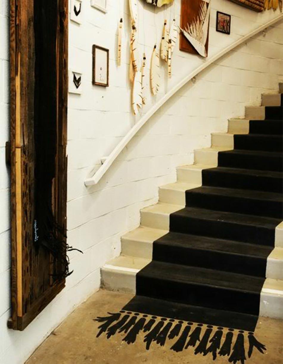 un tapis salon peint qui n est pas comme les autres design feria. Black Bedroom Furniture Sets. Home Design Ideas