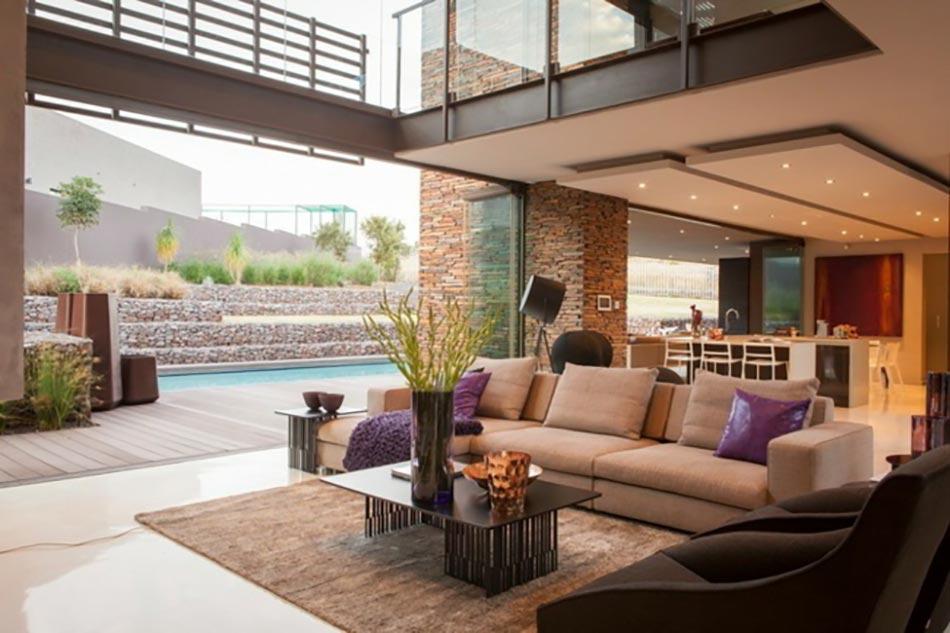 Maison de luxe entre la savane et la civilisation for Interieur luxe maison