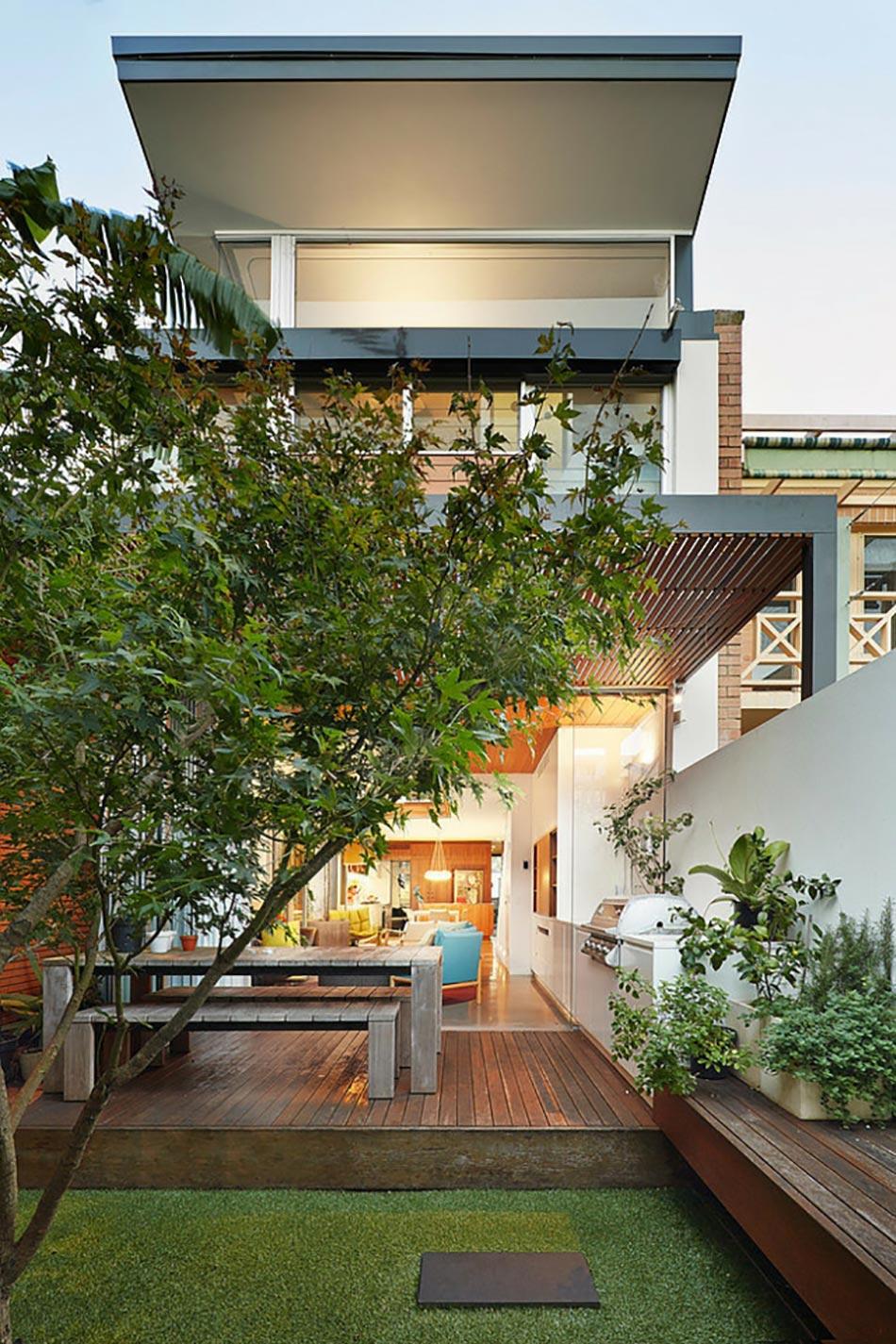 La terrasse en bois ou la prolongation de la maison en plein air design feria - Jardin dans une maison poitiers ...