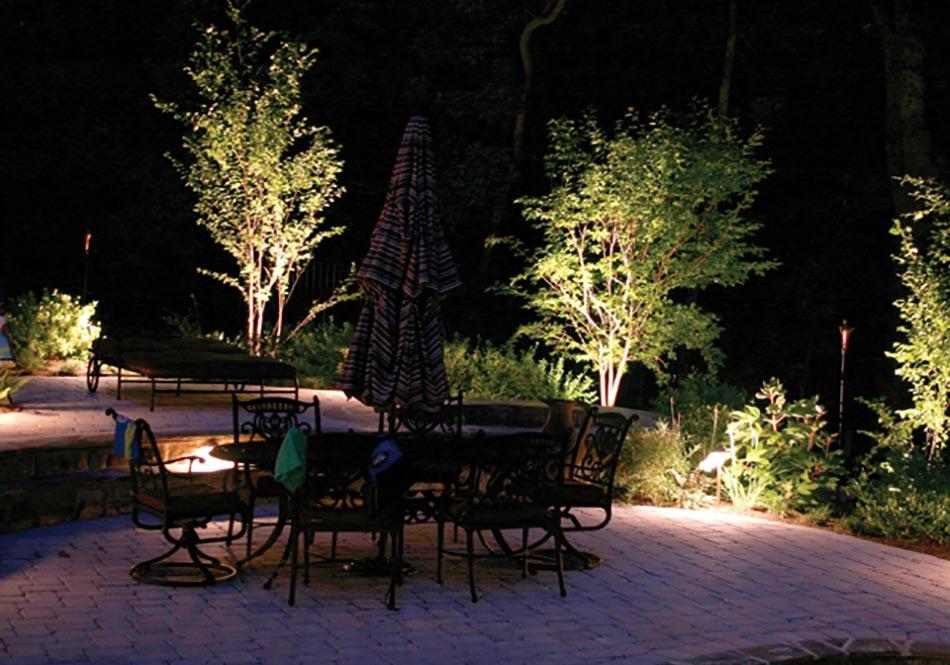 Luminaire jardin pour un outdoor d exception design feria for Luminaire exterieur pour terrasse