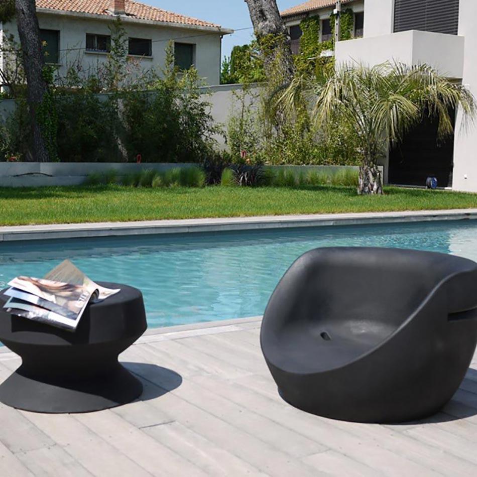 Trois marques design de r f rence pour une ambiance for Fauteuil piscine design