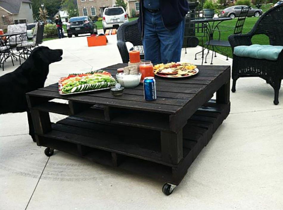 Les palettes en tant que mobilier de jardin cr atif for Mobilier de jardin