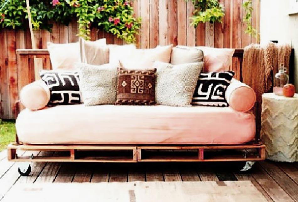 le lit banquette le mobilier incontournable d aujourd hui design feria. Black Bedroom Furniture Sets. Home Design Ideas