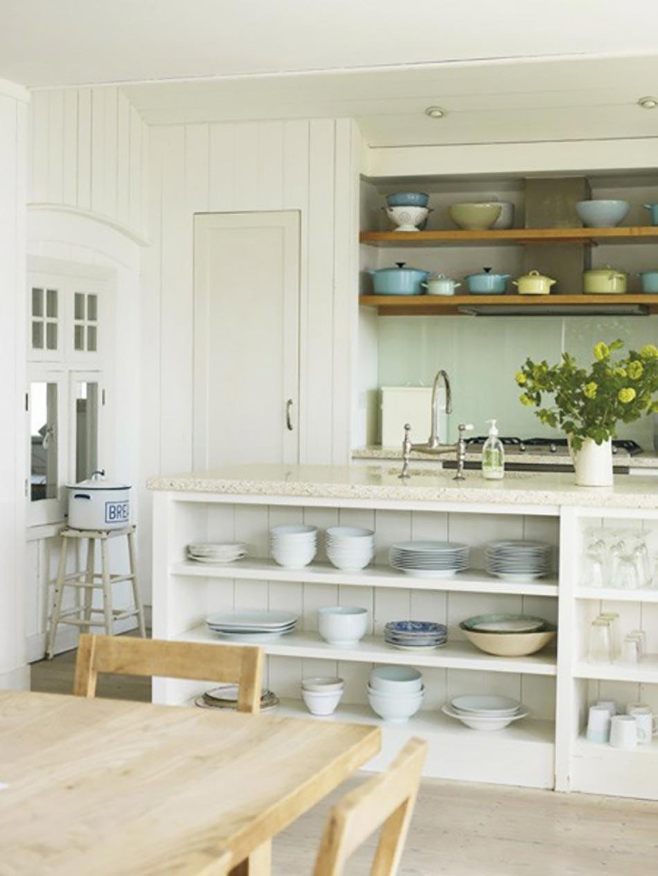 8 id es d co design pour concevoir une cuisine moderne for Etagere pour cuisine en bois
