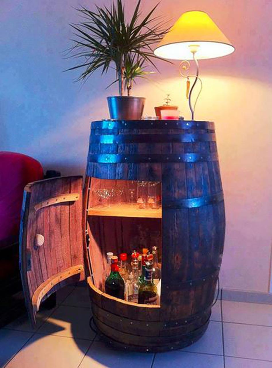 Meuble original compos de vraies barriques design feria for Meuble original salon