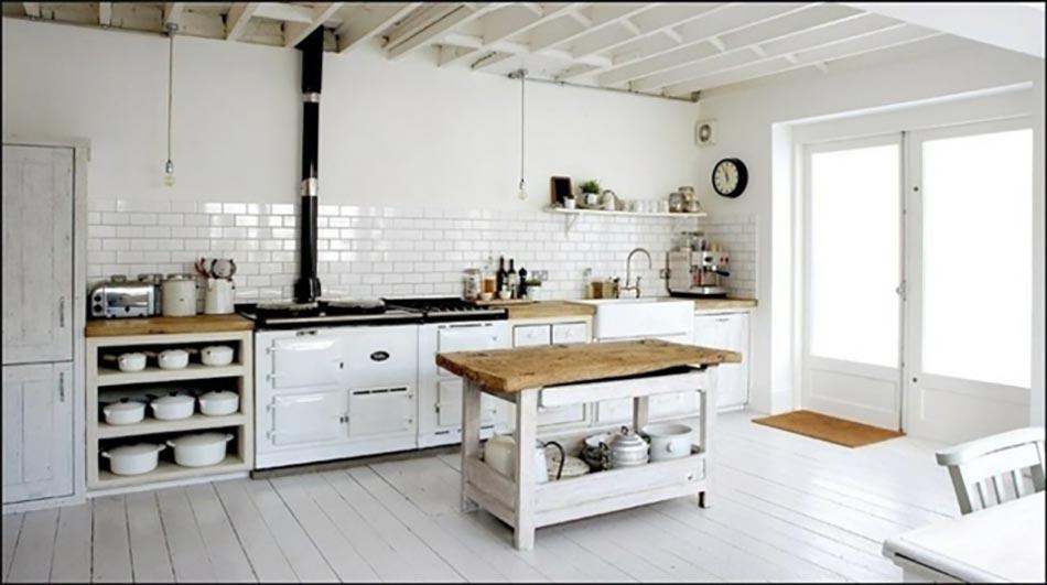 10 astuces pour cr er une cuisine rustique for Photos cuisines anciennes
