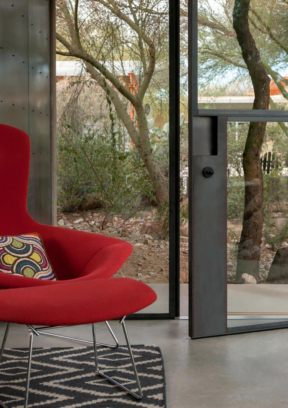 Location De Maison Fauteuil Rouge Design. Magnifique Demeure Location De  Vacances