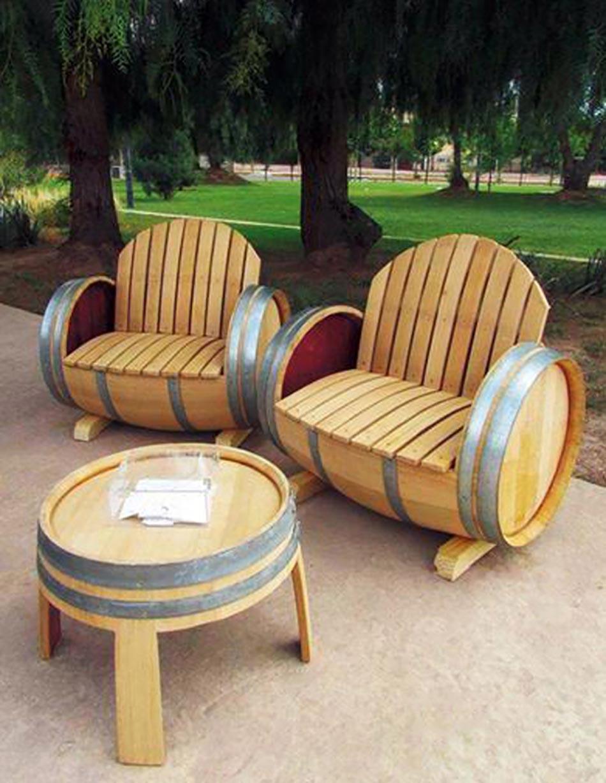 Meuble original compos de vraies barriques design feria - Salon de jardin en tonneau ...