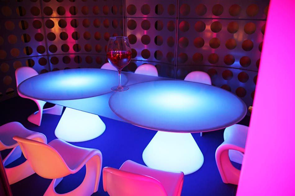 Slide Table Outdoor Lumineuse Ed