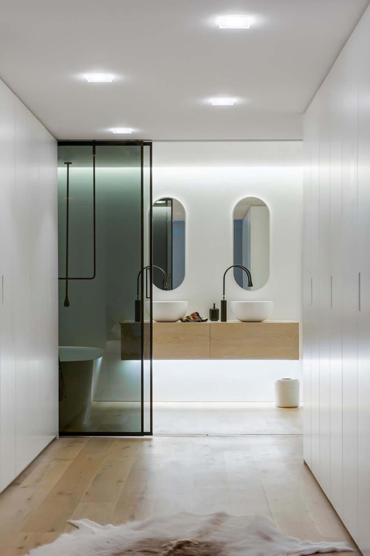 un am nagement salle de bain adapt pour les besoins des seniors design feria. Black Bedroom Furniture Sets. Home Design Ideas