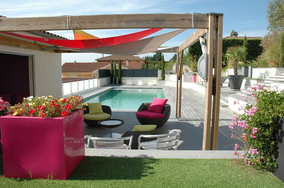 un am nagement terrasse afin de souligner l atout principal des espaces ext rieurs design feria. Black Bedroom Furniture Sets. Home Design Ideas