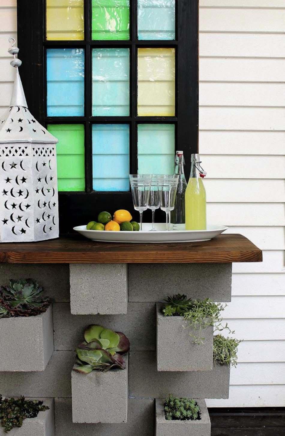 Style Brut Aménagement Jardin Parpaings Déco. Un Bar Outdoor Dont Le Socle  Joue Le Rôle De Pots De Fleurs U0026 De Jardin Vertical