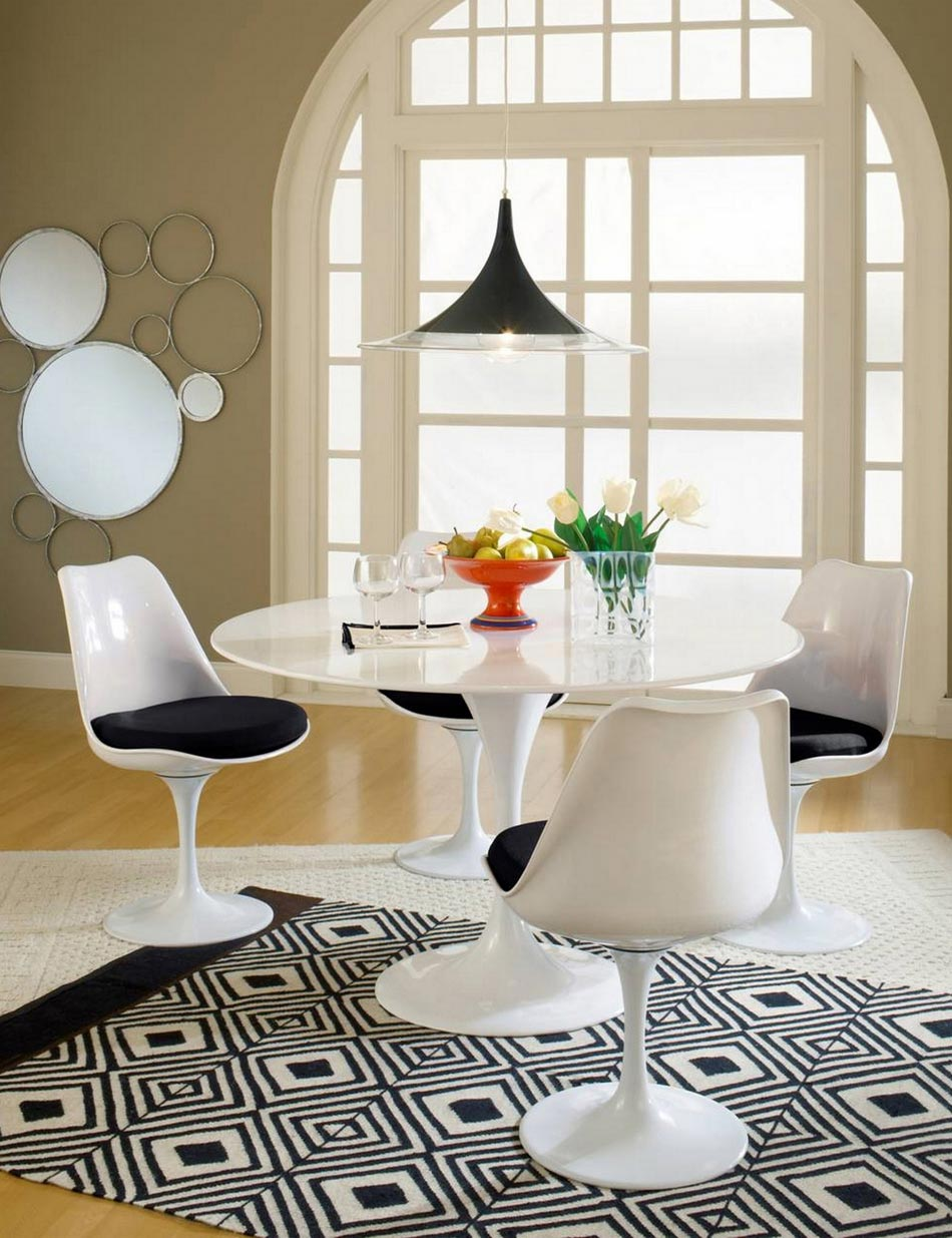 La chaise tulipe Рune ic̫ne embl̩matique du design moderne et ...