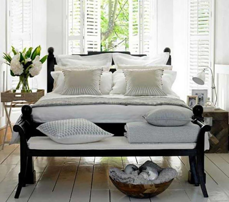 designferia.com/sites/default/files/images/chambre-a-coucher-en-blanc-et-bois-fonce_0.jpg