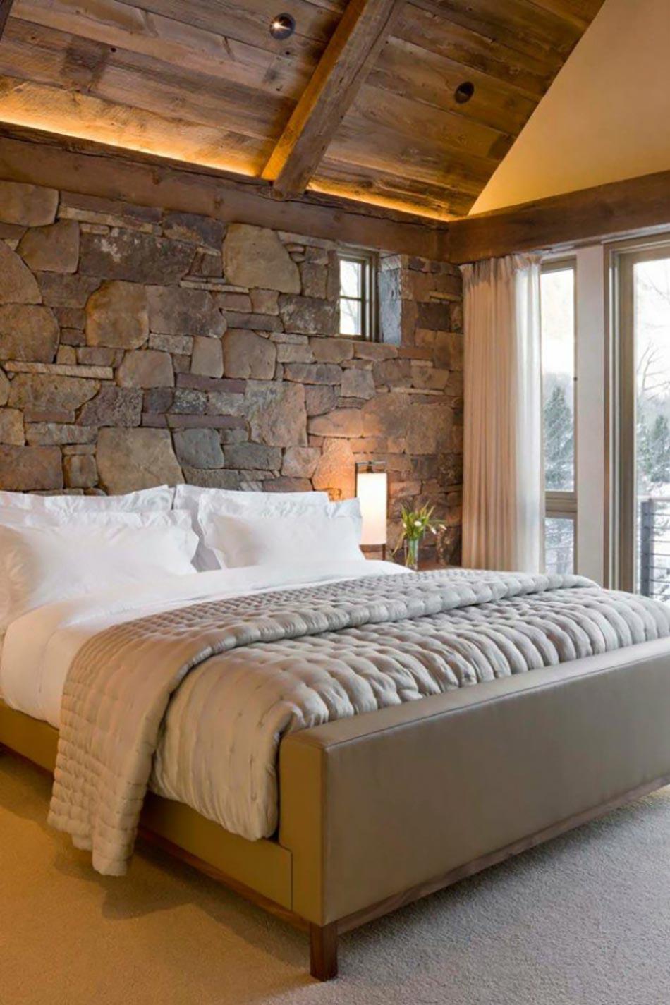 Mur Interieur En Bois Chalet : Mur en pierres et plafond en bois pour une ambiance brute