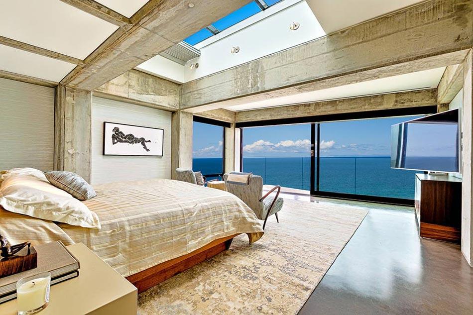 magnifique villa de vacances louer avec une vue spectaculaire sur la plage design feria. Black Bedroom Furniture Sets. Home Design Ideas
