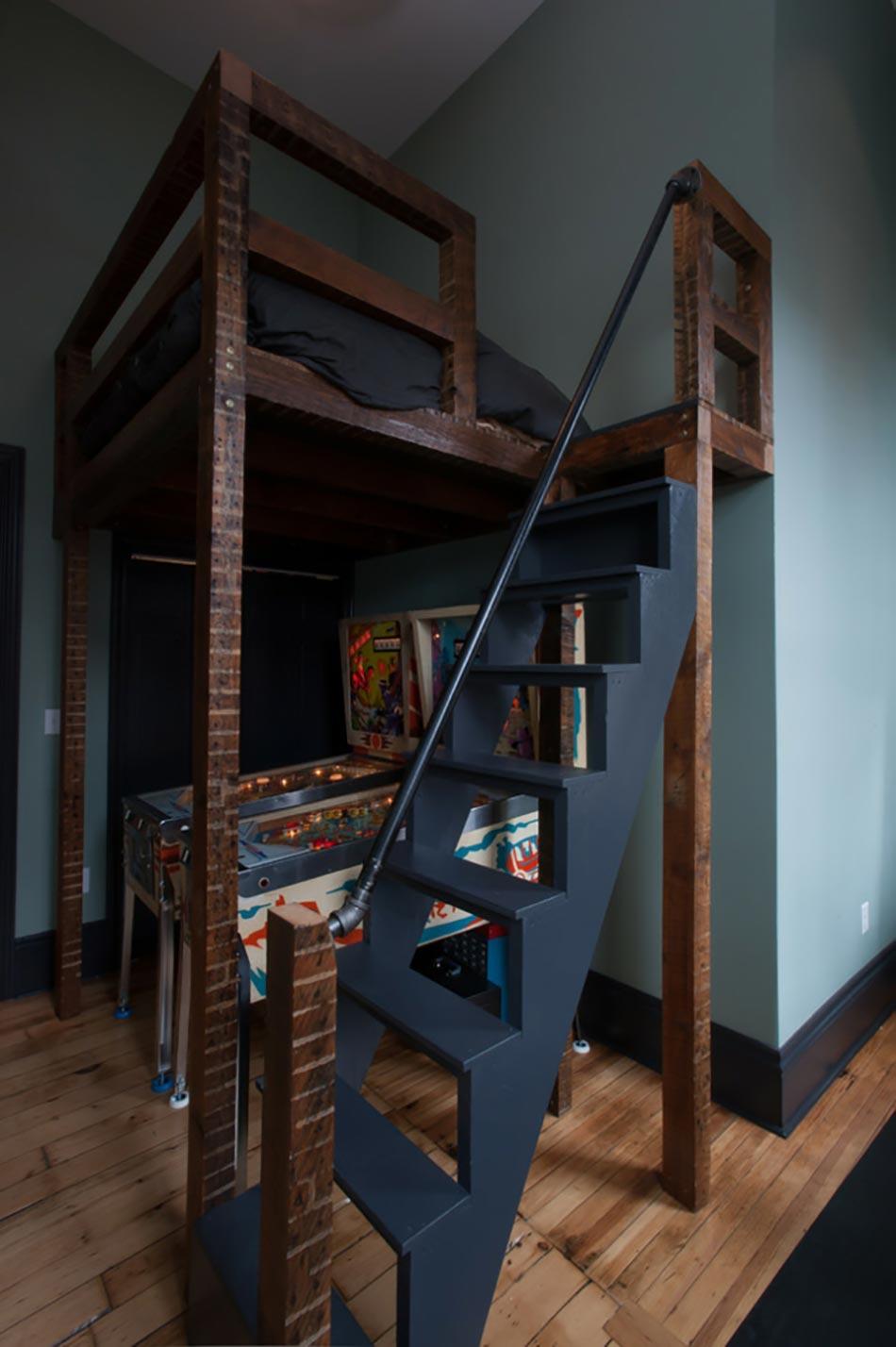 Lit mezzanine pour une chambre d ado originale design feria for Petit escalier en bois