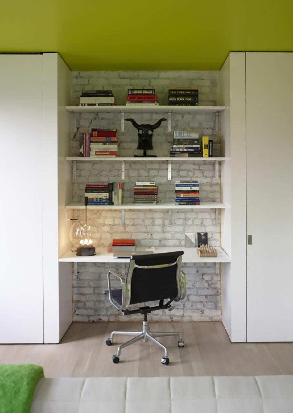 Ancien appartement t3 transform en un loft design industriel design feria - Bureau loft industriel ...