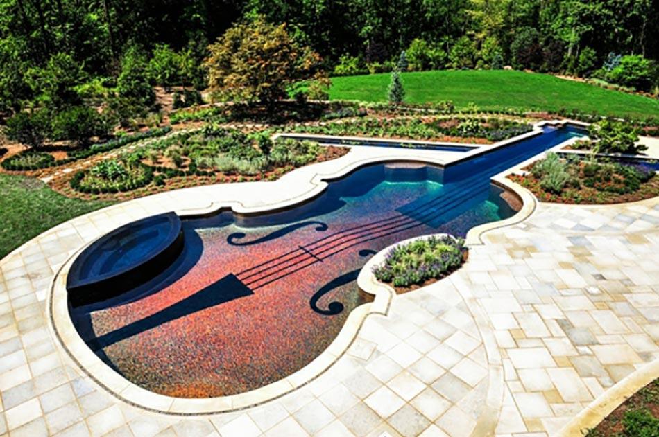 Construire Sa Piscine Extérieur En Forme De Violon
