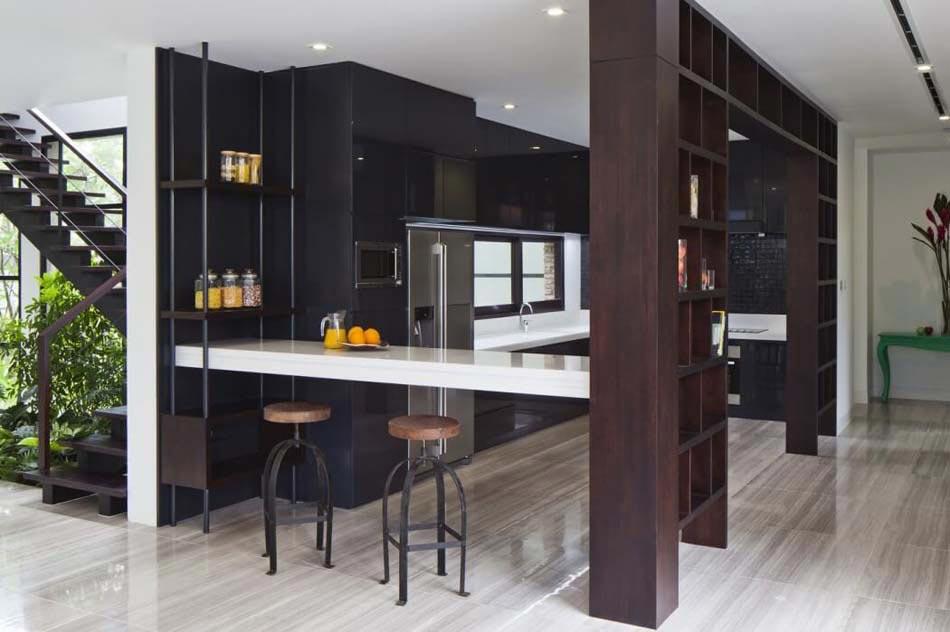 Belle maison r nov e au design int rieur moderne et si for Cuisine agencee