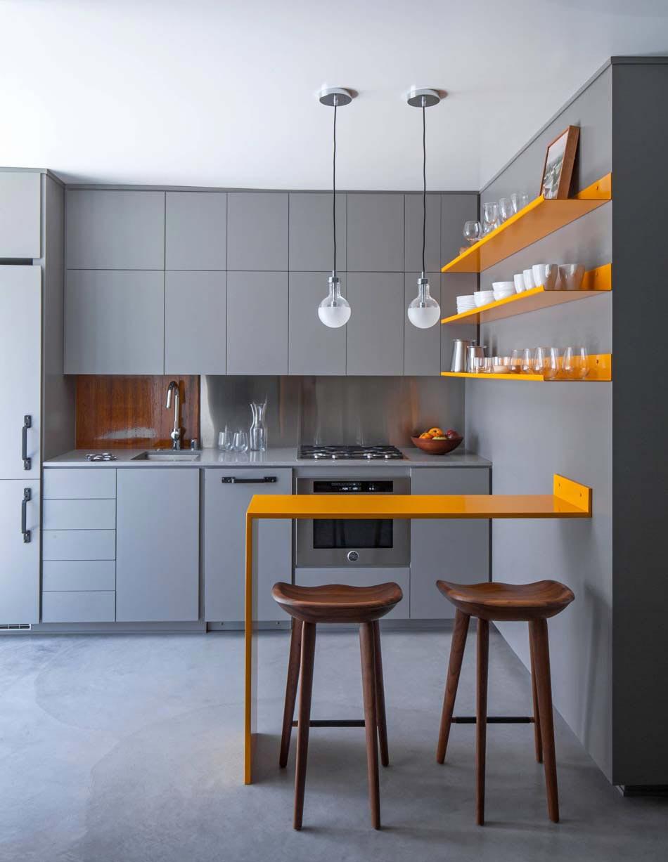 Belle cuisine pratique ouverte dans un appartement californien de ...
