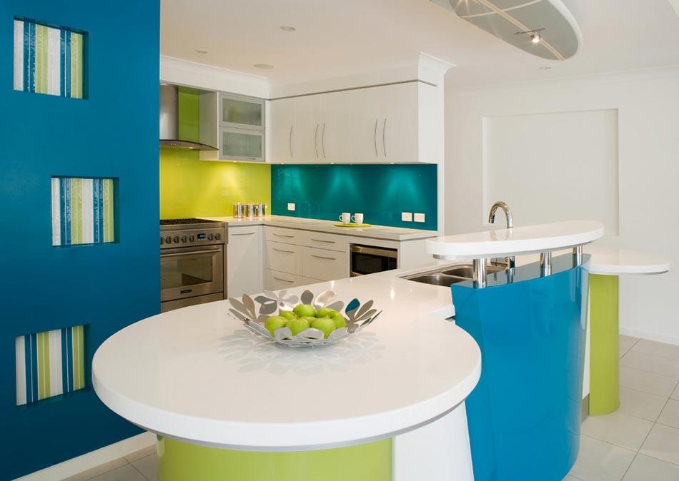 vert citron combin au bleu pour une ambiance vacances - Cuisine Mur Bleu Turquoise