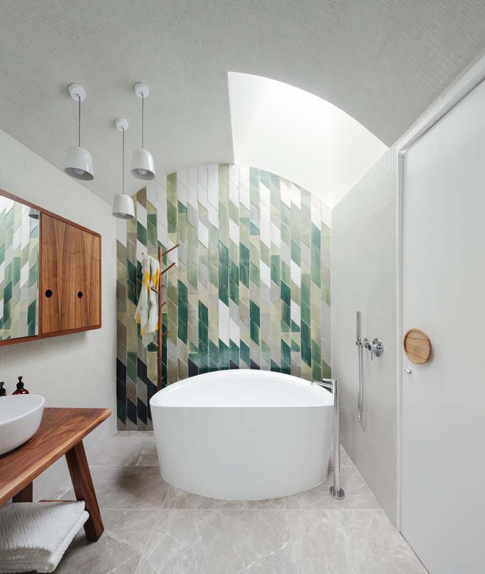 Idees Deco Salle De Bain Carrelage carrelage design à l'inspiration géométrique pour la salle
