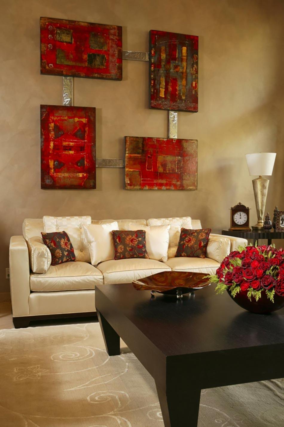 Une déco de salon avec du tempérament chaud en rouge ...