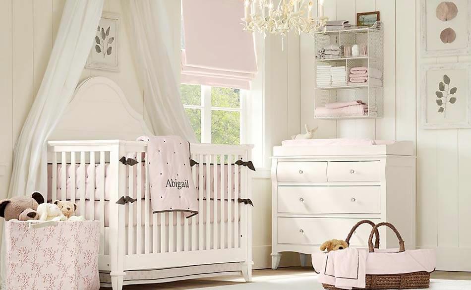 ... chambre bébé : le voilage et le ciel de lit magiques  Design Feria