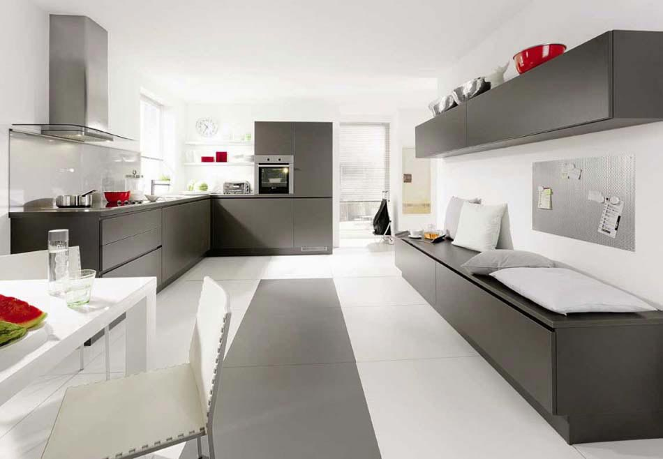 Placards Presquu0027invisibles, La Cuisine Design Futuriste Se Fond Dans  Lu0027intérieur. Cuisine Design Créatif Appartement Pratique