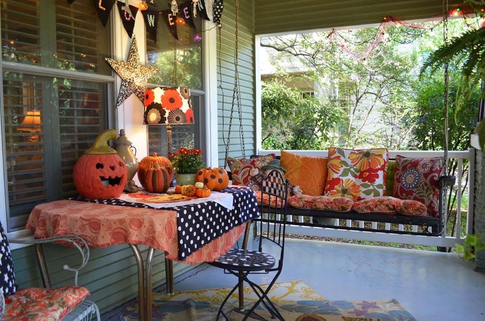 ... espaces extérieurs avec toute la panoplie de la fête d'Halloween