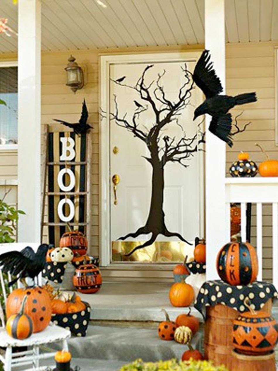 la terrifiante d coration halloween pour la porte d entr e design feria. Black Bedroom Furniture Sets. Home Design Ideas