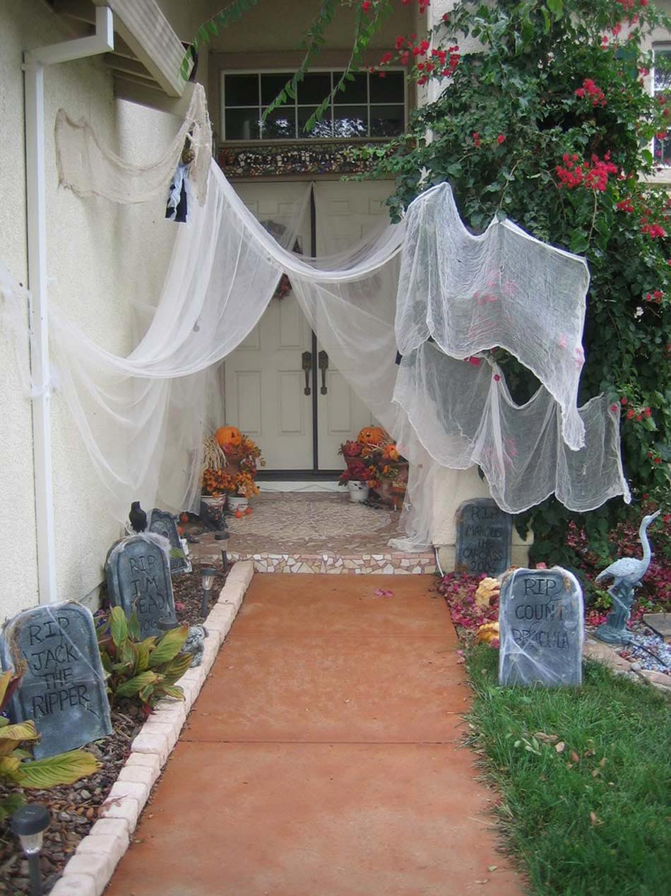 D coration halloween 16 inspirations en images pour for Decoration murale exterieur maison