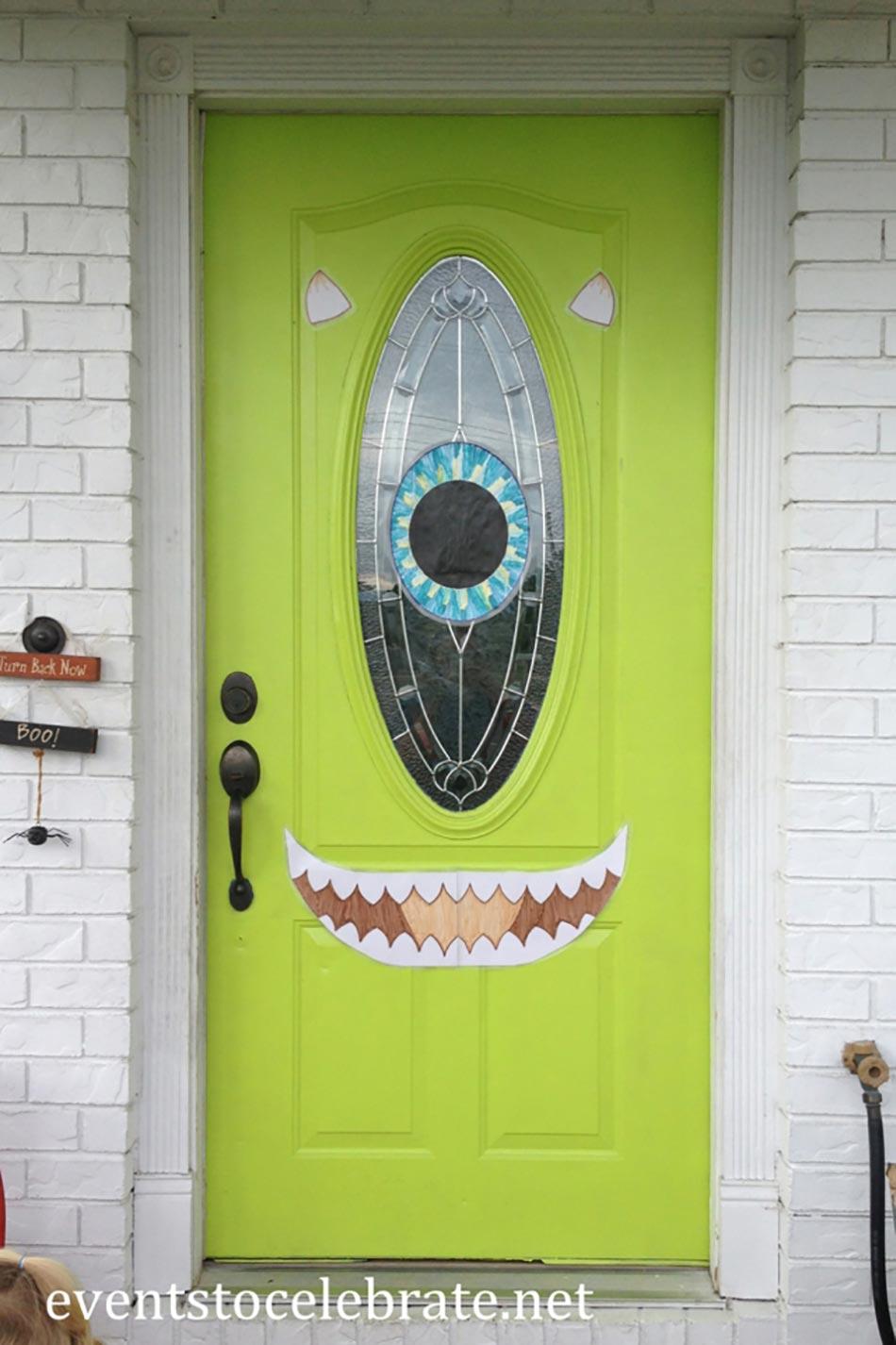 La terrifiante d coration halloween pour la porte d entr e design feria - Entree decoratie ...