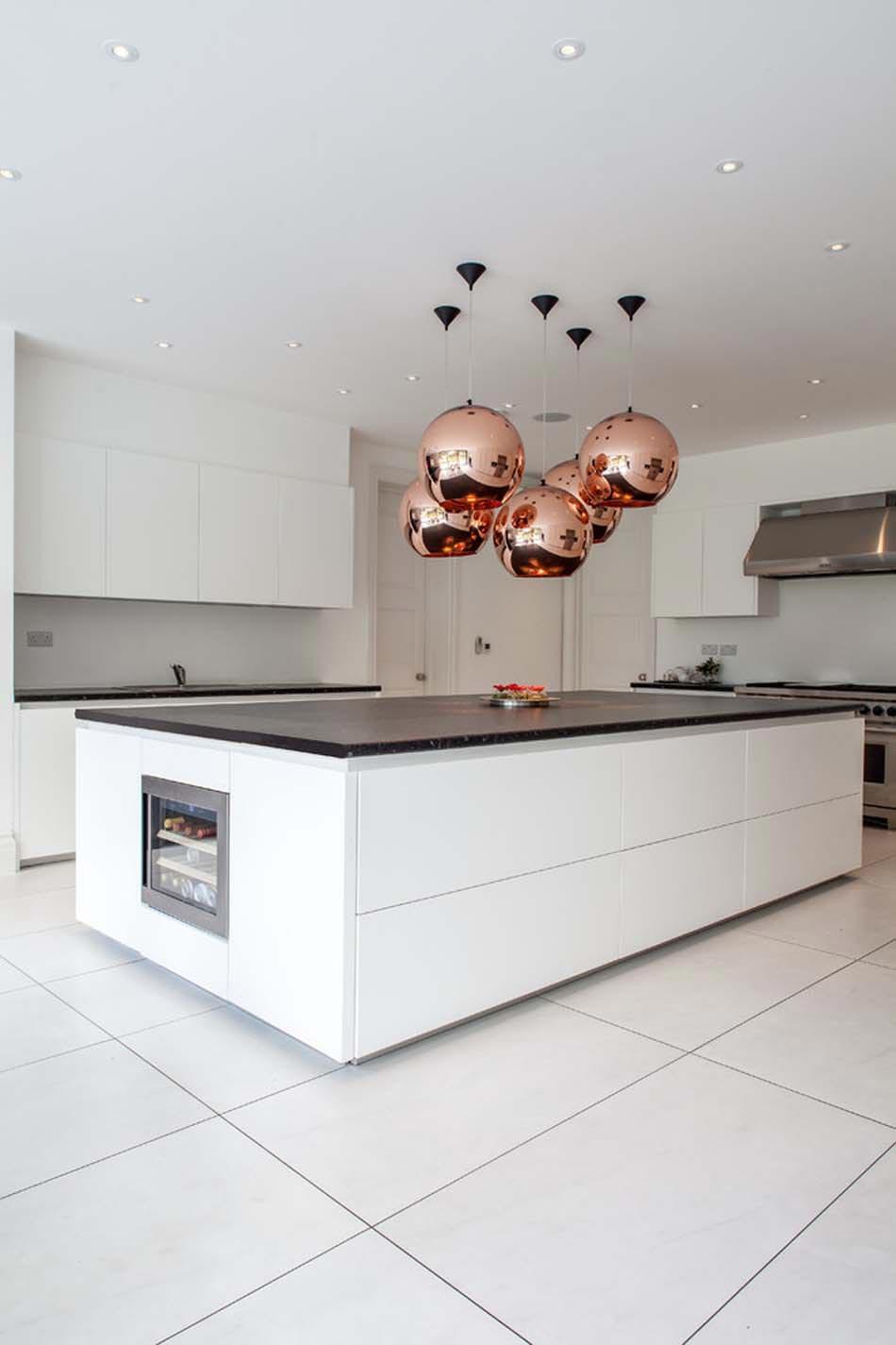Aménager à la maison une cuisine moderne au design sobre et élégant ...
