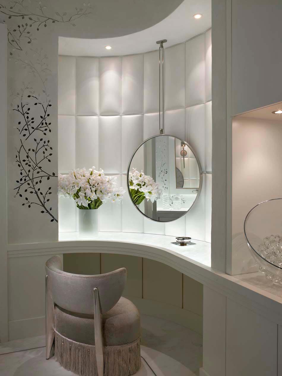 Salle de bain de luxe design for Coiffeuse meuble design