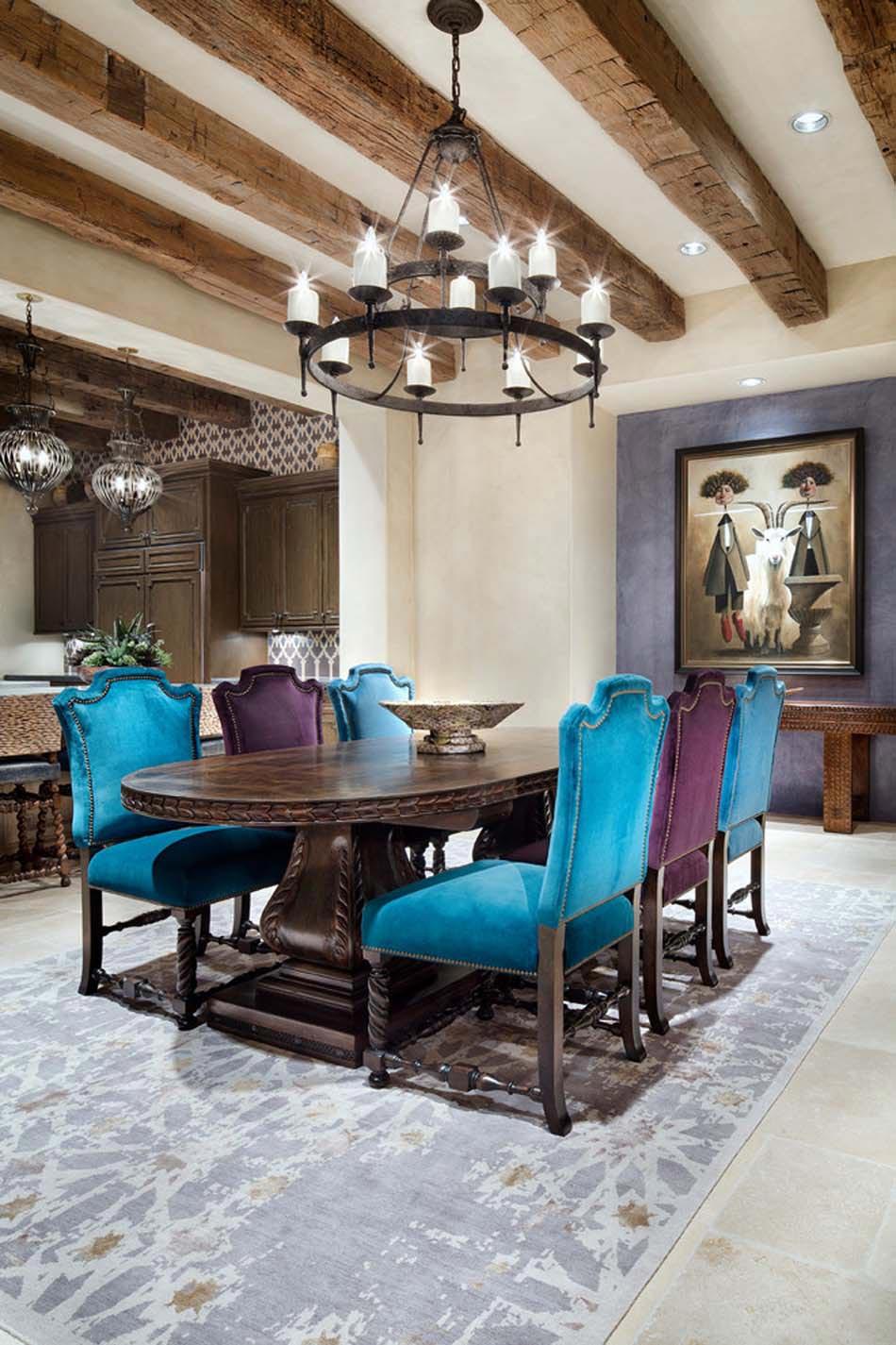 Chaises de salle manger en velours une invitation for Chaises design pour salle a manger