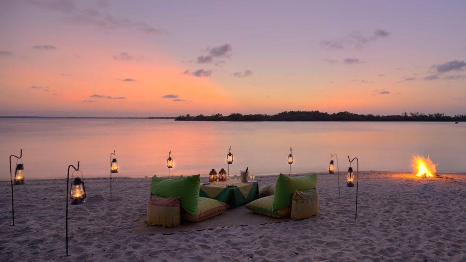 Diner Romantique Sur La Plage Le Meilleur Endroit Pour