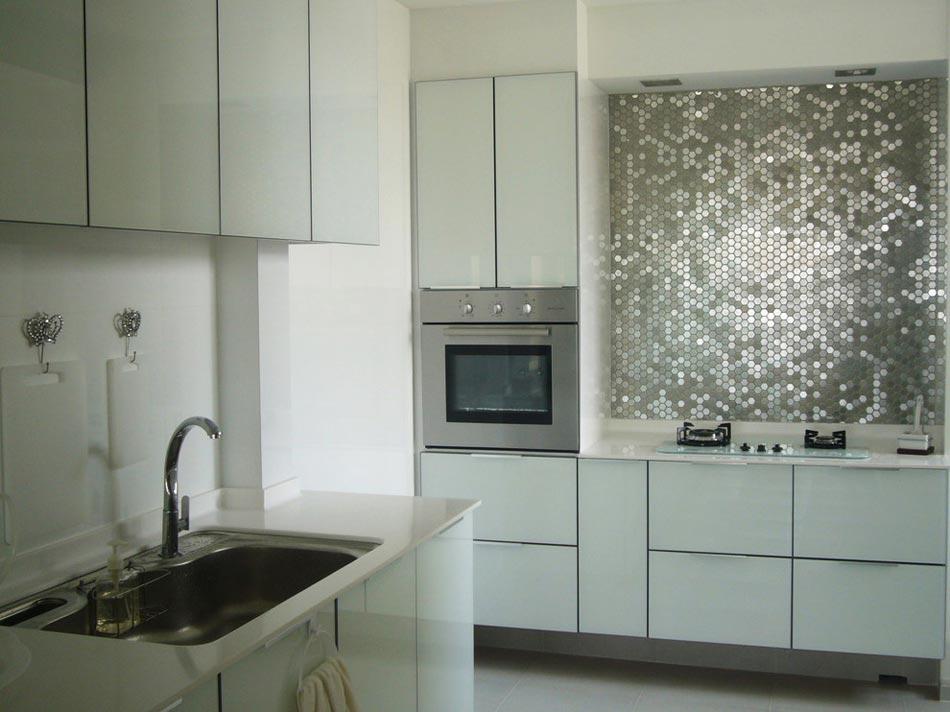 un dosseret de cuisine tendance et moderne en m tal design feria. Black Bedroom Furniture Sets. Home Design Ideas