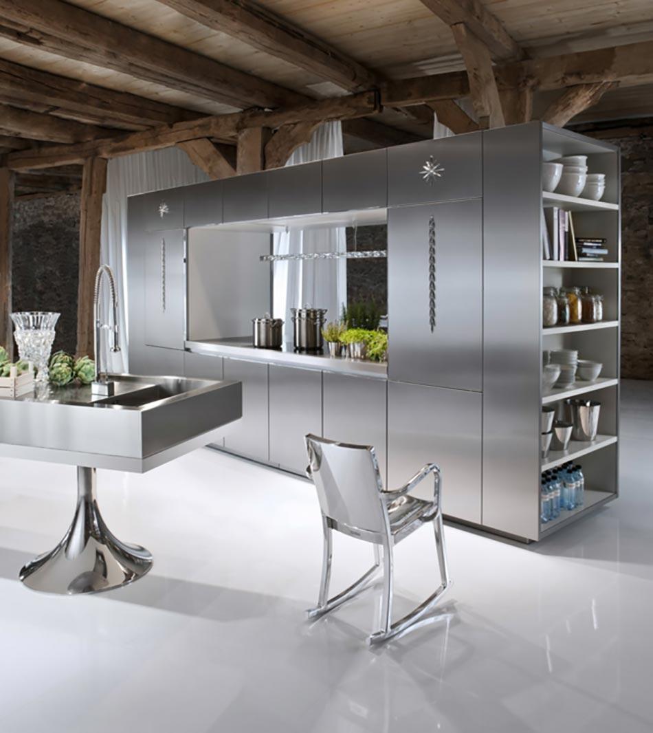Cuisine design au double visage pour séparer le séjour de la cuisine
