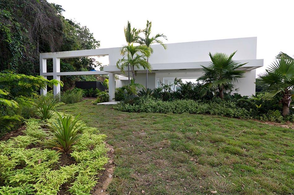 14 villa contemporaine larchitecture moderne donnant sur un paysage villa plain pied de luxe - Villa Plain Pied De Luxe
